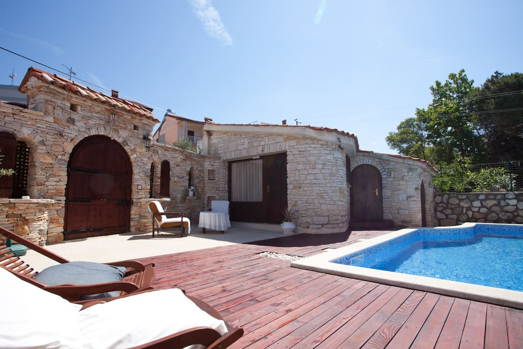 Swimming pool at Villa Carla to start your day with