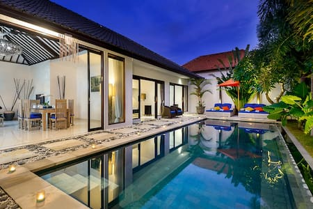 The relaxed getaway that is Luxe Villa represents the epitome of comfort within a tropica island setting. Designed in traditional architecture with a contemporary style, Luxe Villa is located down a quiet lane in the heart of the bustling Seminyak.