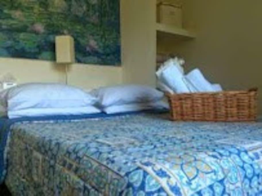 Camera Monet: camera tripla con servizi privati con doccia