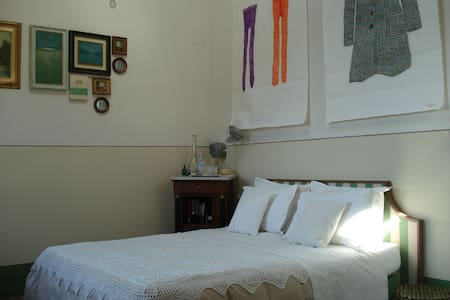 Camera in antica Casa in Collina  - Capezzano Monte - Pietrasanta - Bed & Breakfast