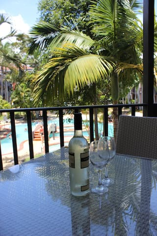 Noosa, Hastings St French Quarter Resort, sleeps 2 - Noosa Heads - Apartment