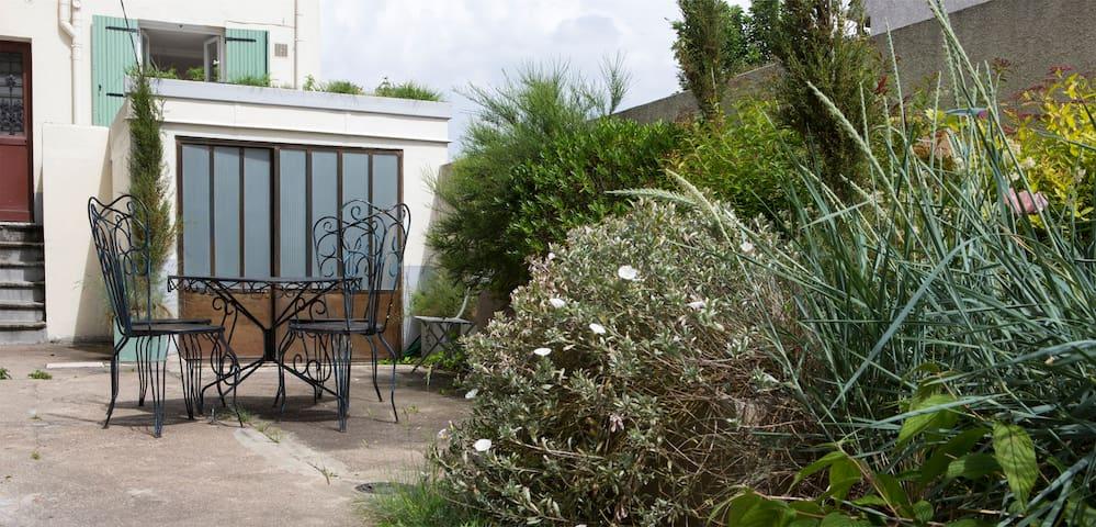 Apartment Artist's studio - Paris 10 min away