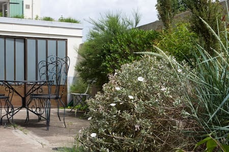 Apartment Artist's studio - Paris 10 min away - Bagneux