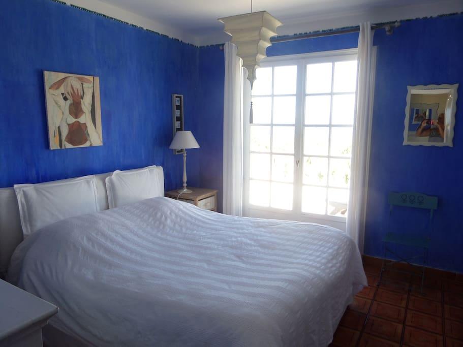 la chambre bleue s/terrasse, vue mer