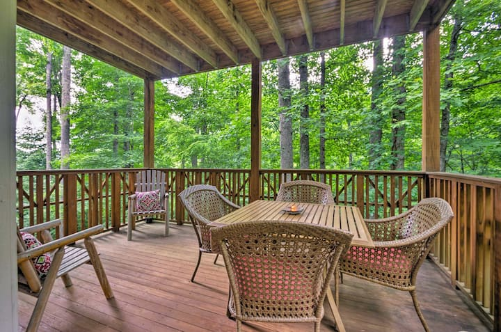 Superb Mountain Air Condo w/ Views, Near Asheville