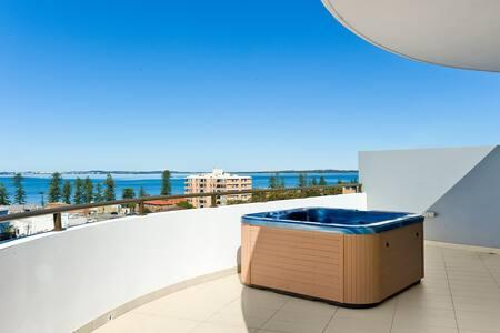 Oceanview Penthouse 2BD 2BATH 2LVLS - Brighton-Le-Sands - Appartement