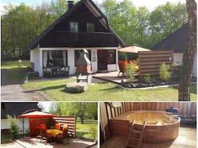 Modernes Ferienh, Dampfkabine, Pool - Frielendorf - Casa