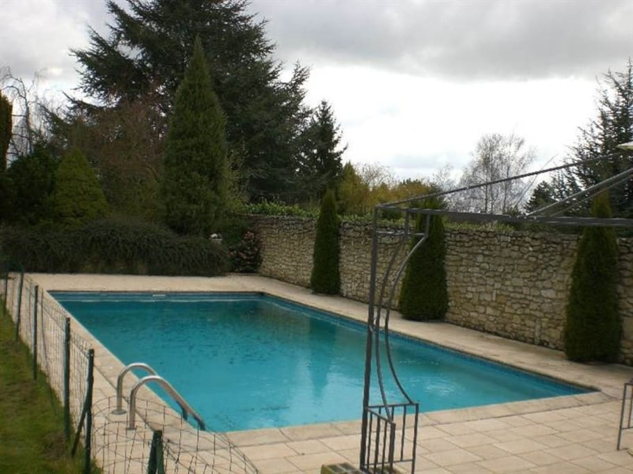 Villa avec piscine chauff e cambrai bed breakfasts for for Piscine liberte cambrai