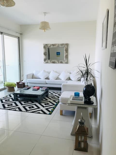 Gorgeous spacious & light 1-bedroom apartment