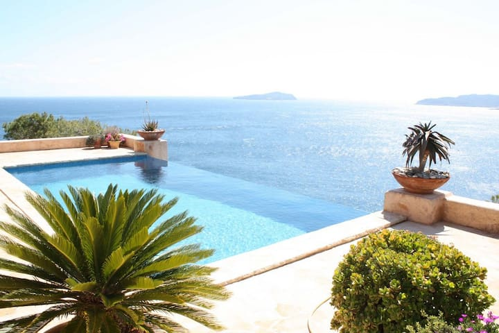 Villa with spectacular views