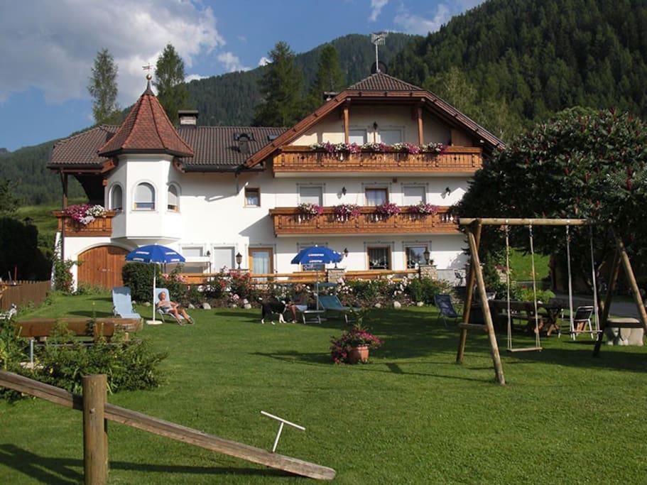 Haus mit Liegewiese