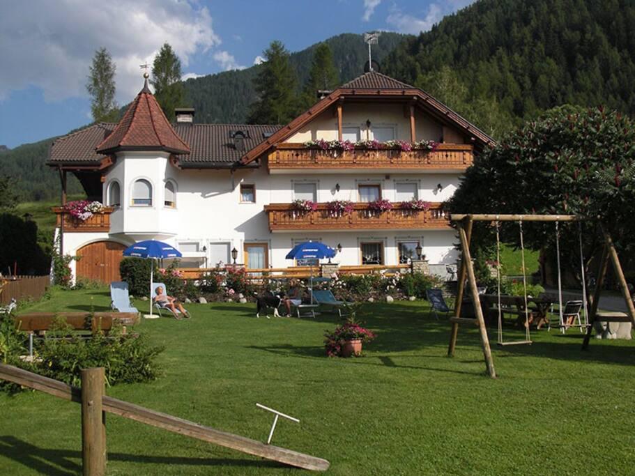 Haus mit Gartenbereich