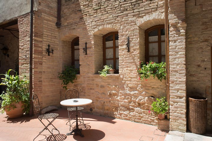 san gimignano accomodation 3 px  WiFi 10