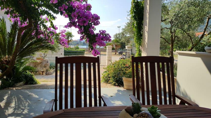 Apartment  Šipak -  Pomegranate