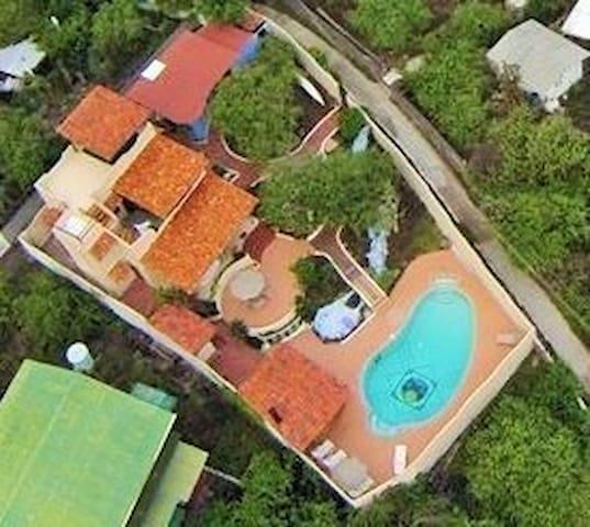 Casa de Hospedaje Vacacional Shangri la - Puerto Ayora - Casa