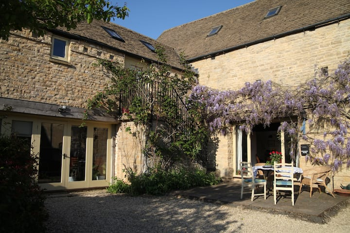 Cotswold Barn Conversion occasionally available