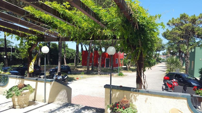 Case Vacanza al Villaggio Mithos con Piscina