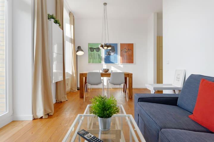 3-room sunny spacious apartment, romantic balcony