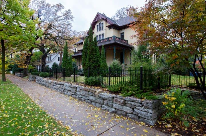 Unique + Historic Mansion Near UMN & Downtown