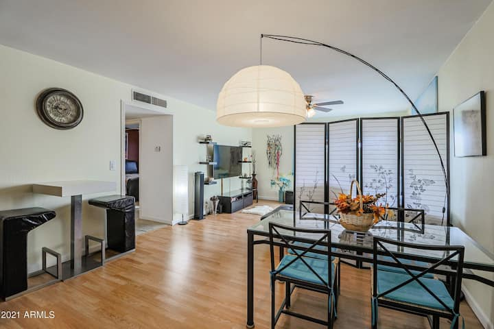 Highly sought after condo in Old town Scottsdale