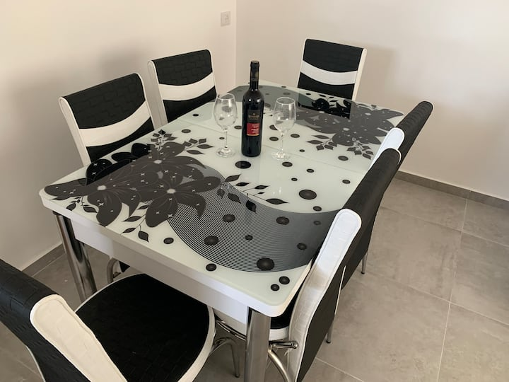 TLV Suite-  for 8 people