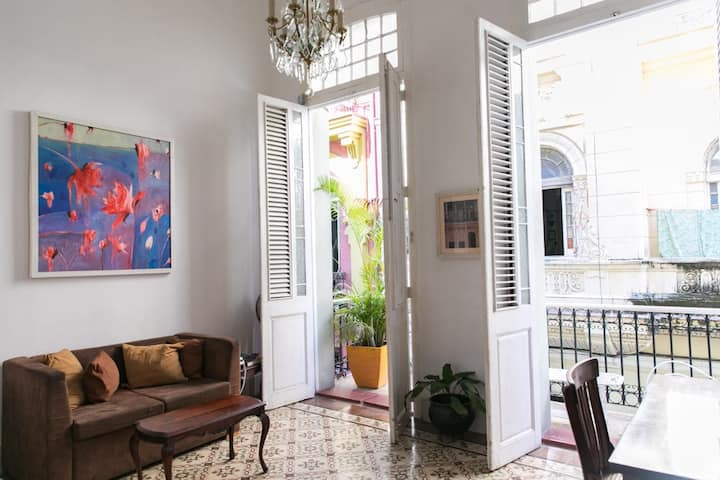 Nice apartment in the best location in Old Habana.