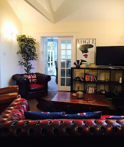 The Hythe Guesthouse