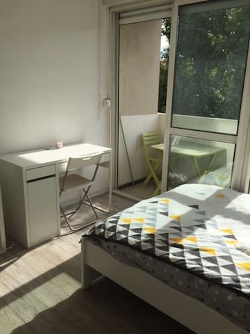 Location studio centre Aix en Provence