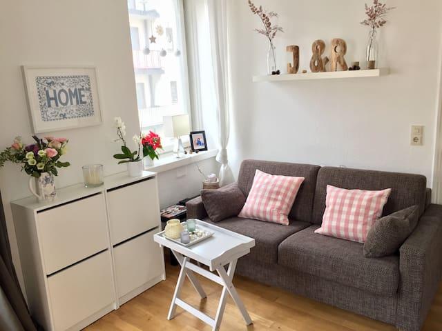 Gemütliche 1-Zimmer-Wohnung - München - Lägenhet