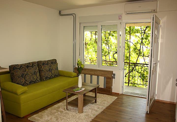 Beautiful & peacefull apartment in a quiet street