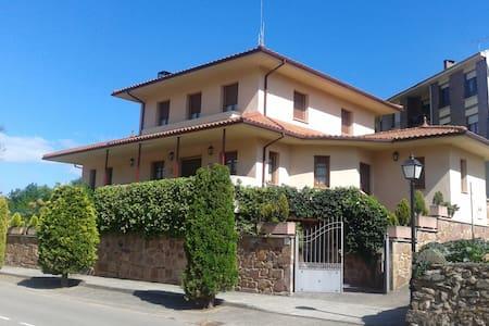 EL CHALET DEL ABUELO - Valgañón - Casa