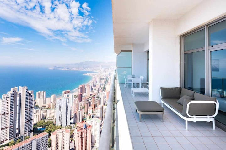 Luxury apartment with stunning sea view - Floor 41