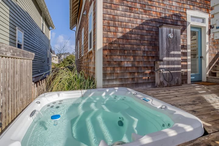 Parkside Home Near Beach Access Has Hot Tub, Elevated Deck in Olivia Beach!
