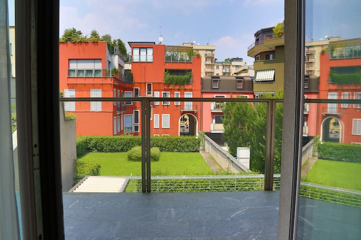 VELA SUITES MILANO CENTER with garage, H