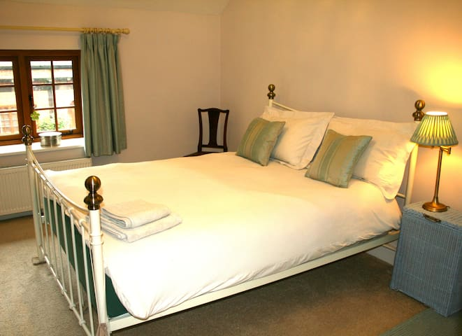 Double Ensuite, in Coach House with tennis court
