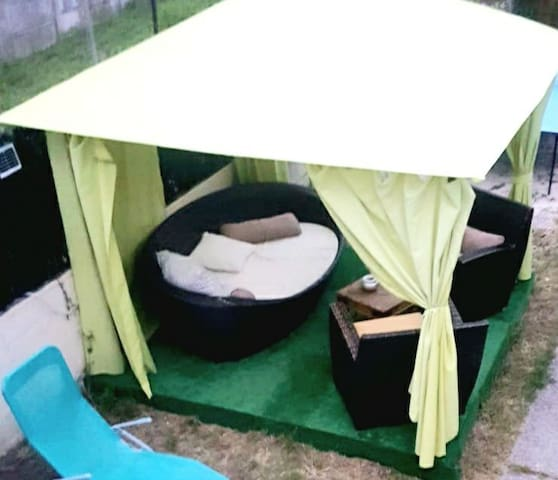 CHAMBRE PARTAGEE belle & spacieuse- jardin