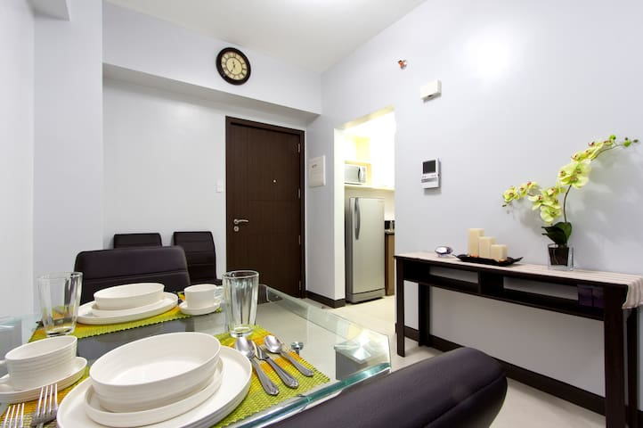 ** Spacious, Modern, Comfortable at Eastwood City