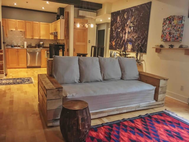 Clean & Cozy Condo in Lachine