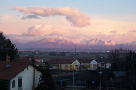 alloggio con vista montagne - Crescentino