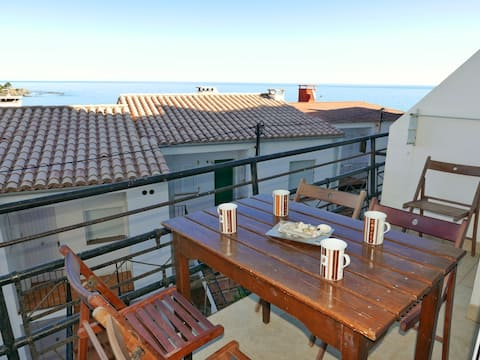 141 Apartment to rent next to the beach with a terrace