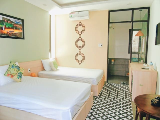 Xanh La Hoi An- 2 single beds or 1  large bed