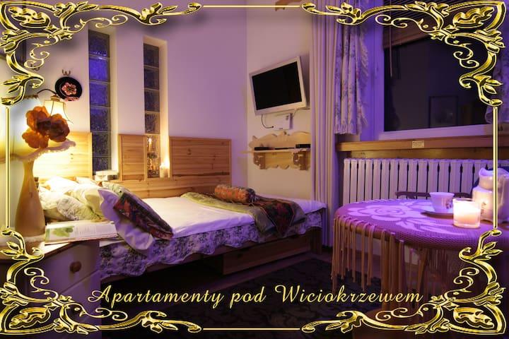 Apartamenty pod Wiciokrzewem - Supraśl - Casa