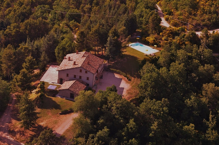 Farmhouse in Umbria with pool and l