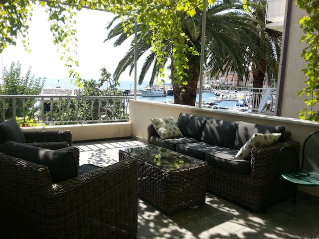 Magnificent Apartman Riva - Podgora - House