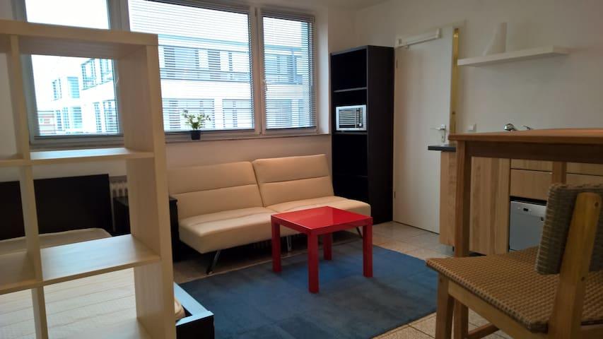Studio Office für Reise und Büro @ - Neuss - Appartement