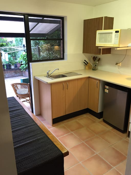 Compact but functional kitchen with Gas cooking