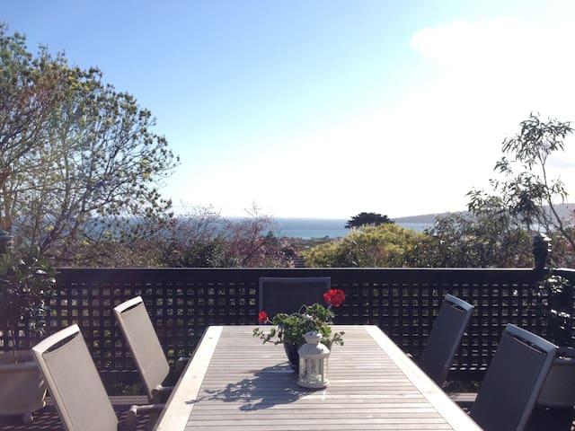 Mornington Peninsula Bayviews - Dromana - Bed & Breakfast