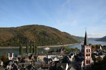 Das schöne Rheintal mit Bacharach