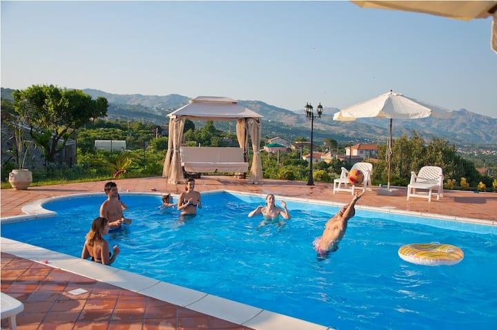 VILLA TRINACRIA -Taormina,Sea&Etna-  SunTripSicily