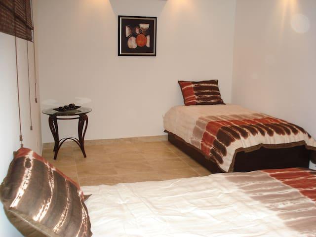 BIG APT., POOL, WIFI, BEST LOCATION. - Carolina - Apartment